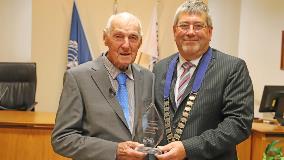 Bob Moorfield and Mayor Allan Sanson
