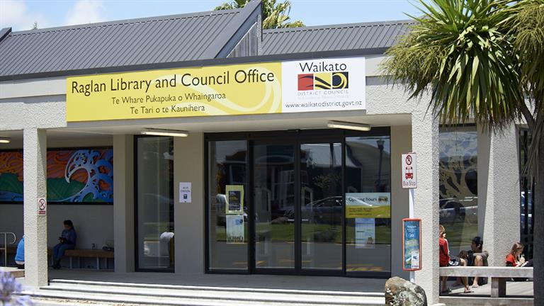 Raglan library and office