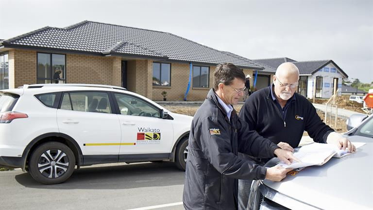 WDC inspects new housing in Te Kauwhata