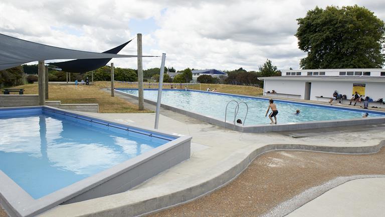 Tuakau Centennial Swimming Pools